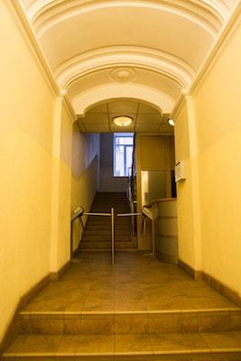 Коридор в хостел на Невском